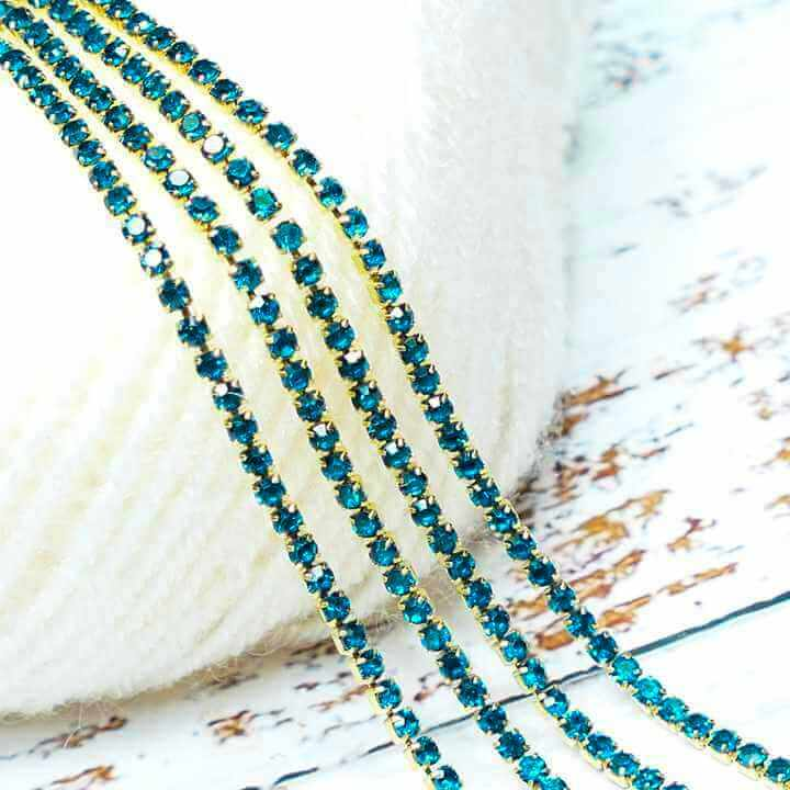 Stone Chain Aqua Blue - Small