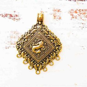 Antique Gold Pendant 47